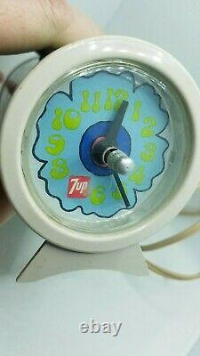 7UP Vintage 1970's Peter Max Style Psychadelic Can Desk Clock Working RARE A27