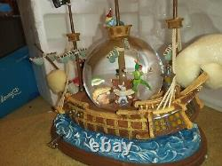 Excellent condition rare Disney Peter Pan Snowglobe and music box, You Can Fly