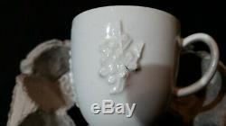Rare Bow blanc de chine coffee can circa 1750