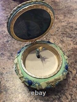 Rare Walt Disney Tinkerbell Neverland Music Jewelry Box Plays You Can Fly