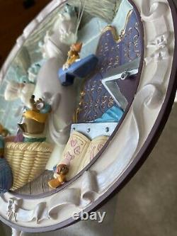 Walt Disney Classic RARE CINDERELLA WE CAN DO IT! 3D Plate COA #466
